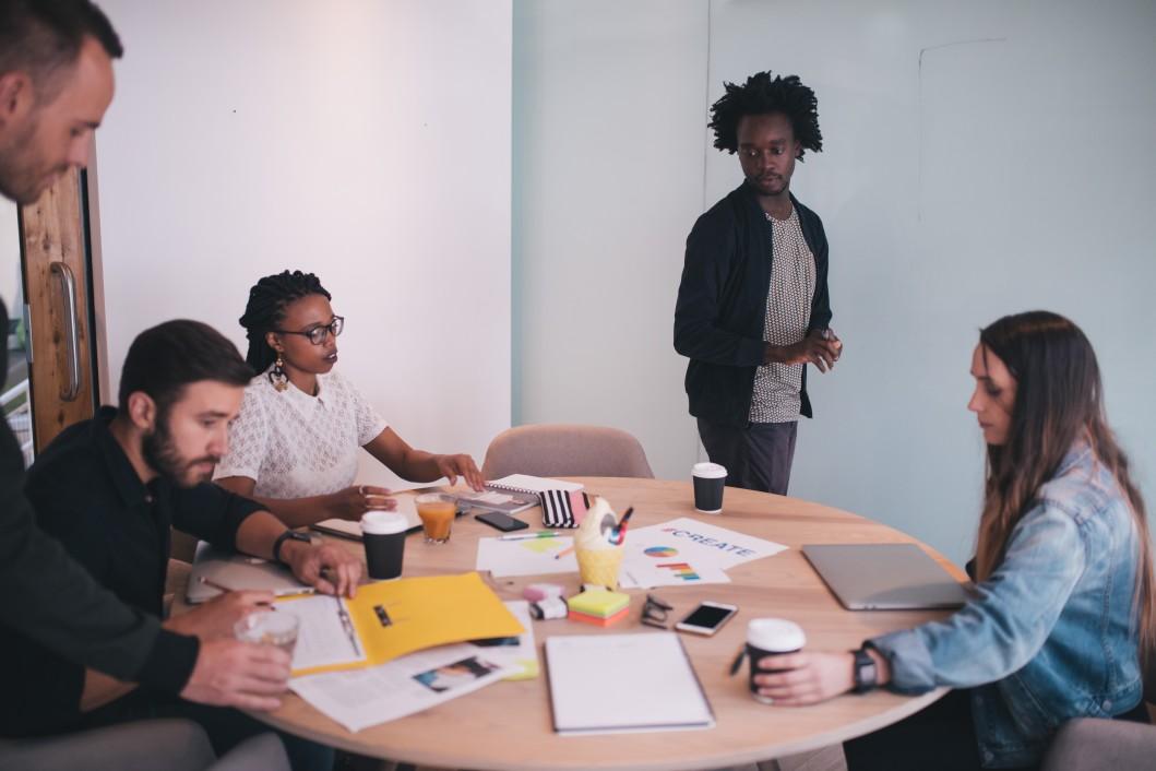 business-office-paperwork-creative-group-organisation-work-team-collaborate-brainstorming_t20_koWNX4